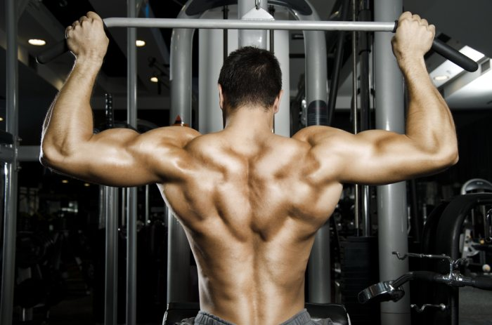 Lat pulldown variations can be an effective addition to chest and back superset workouts