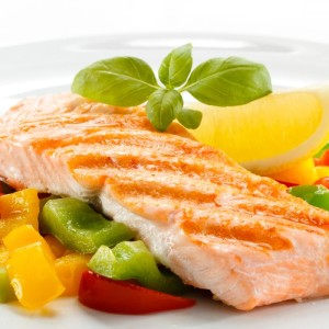 Healthy foods high in protein include fish, chicken and steak