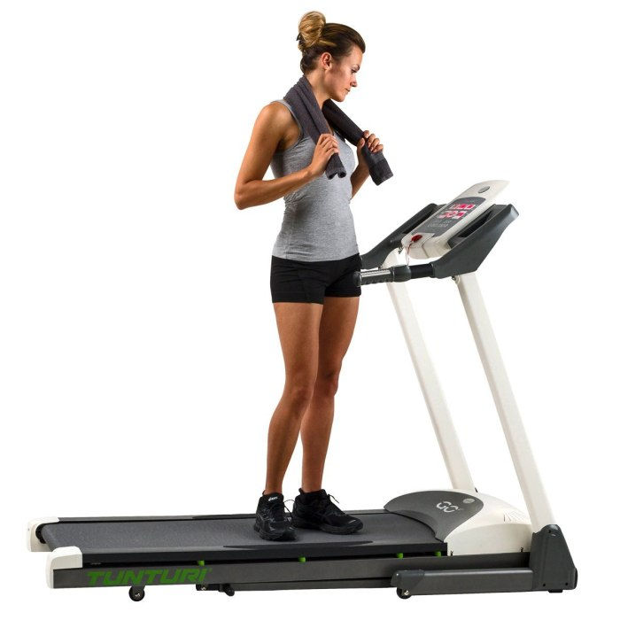 Tunturi Go Run 15 Motorised Folding Treadmill